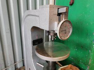 pomiar twardości metali metodą rockwela