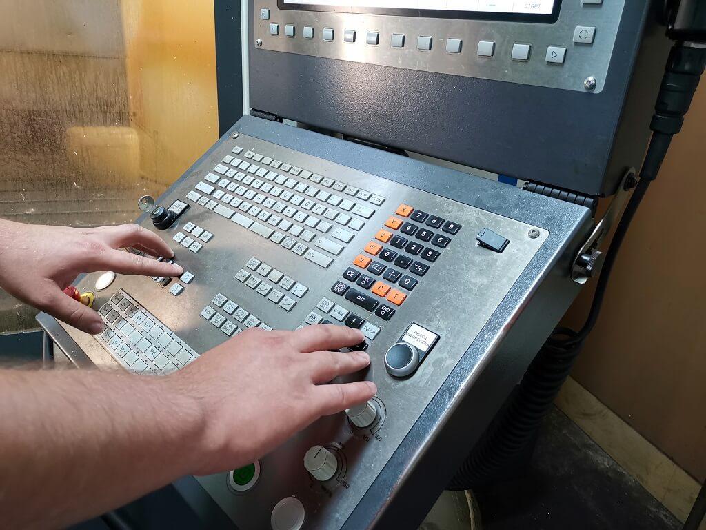 Podstawy programowania CNC